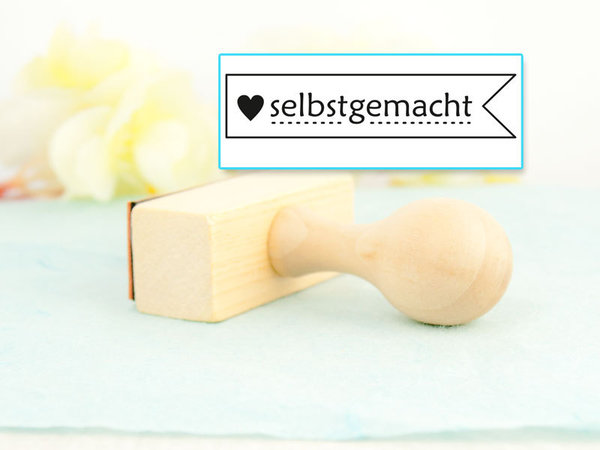 "Stempel "" ❤ selbstgemacht"" Holz lackiert"